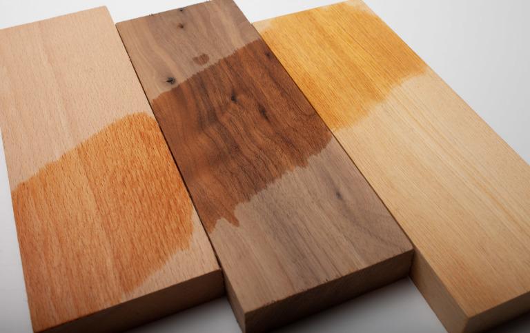 三種原木板材的質感表現。山毛櫸、胡桃木、南檜。